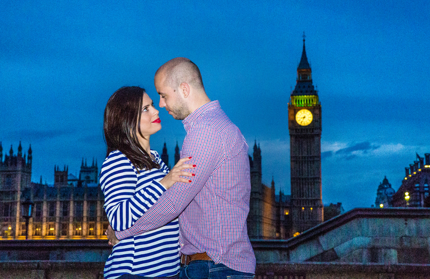 Photographer for couples portraits with London landmarks